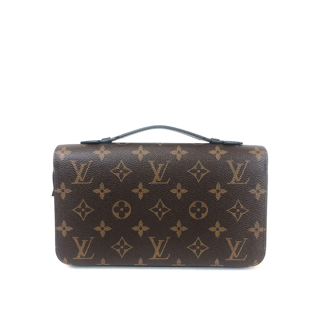 LOUIS VUITTON • Eclipse Zippy XL • Monogram