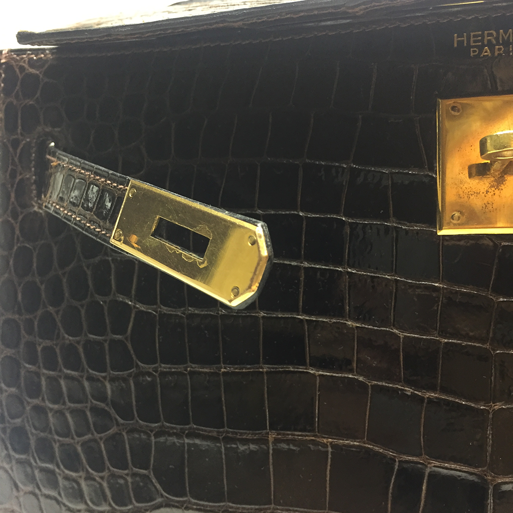 HERMES • Kelly 32 croco •  Brown