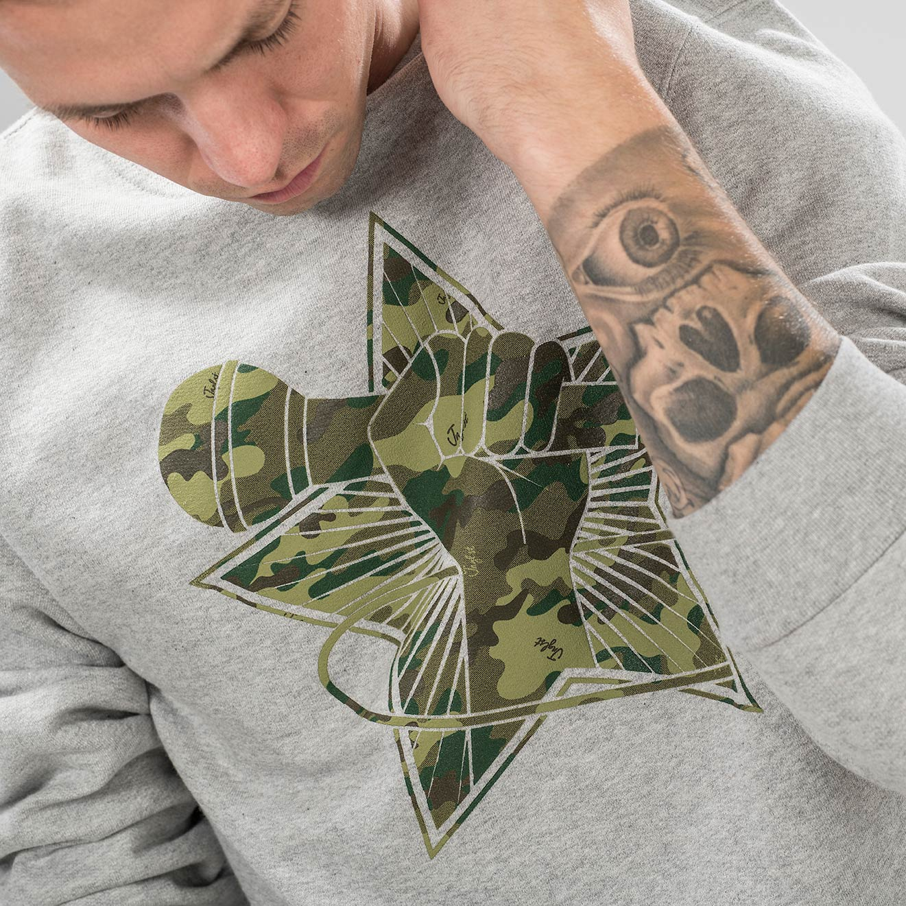 Camo Grey Sweatshirt Revolution Close up