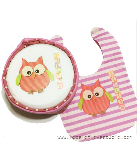 Owl in Sweet Blocks Personalized Diaper Cake and bib