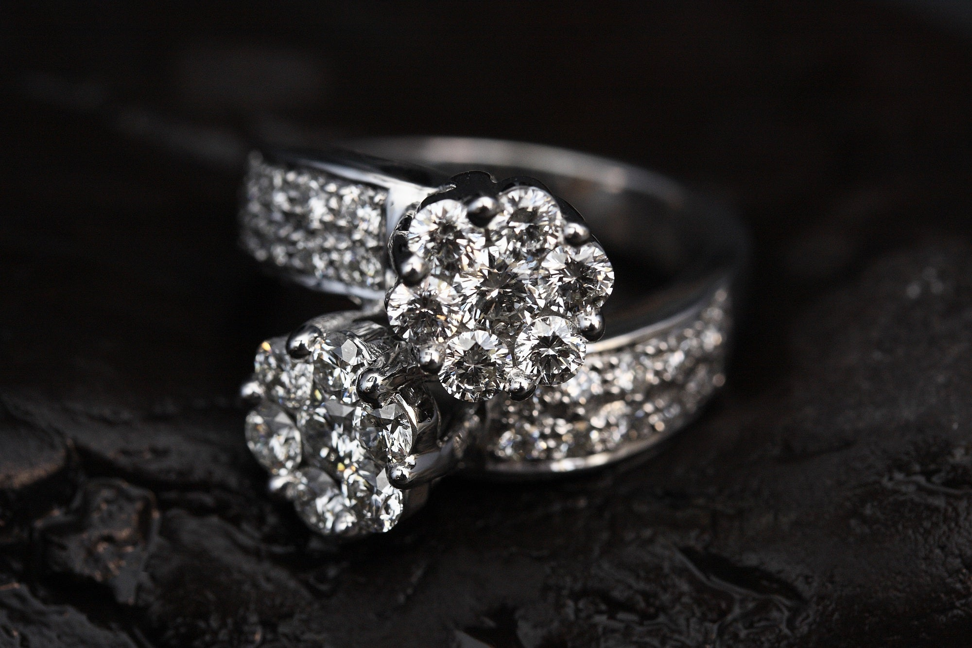 4 Reasons to Say Yes to Forever One Moissanite vs Diamond