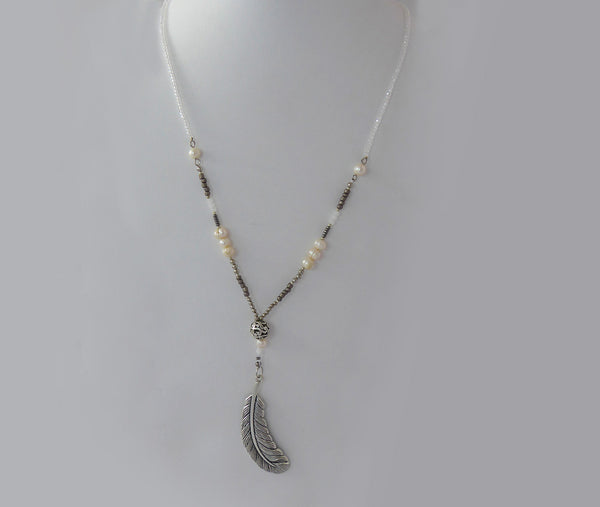 Pearl Feathers Necklace - Agabhumi