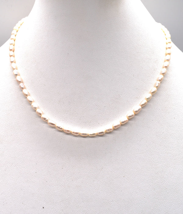"Rice pearl 18"" Necklace"