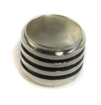 Silver and black ridged ring - Agabhumi