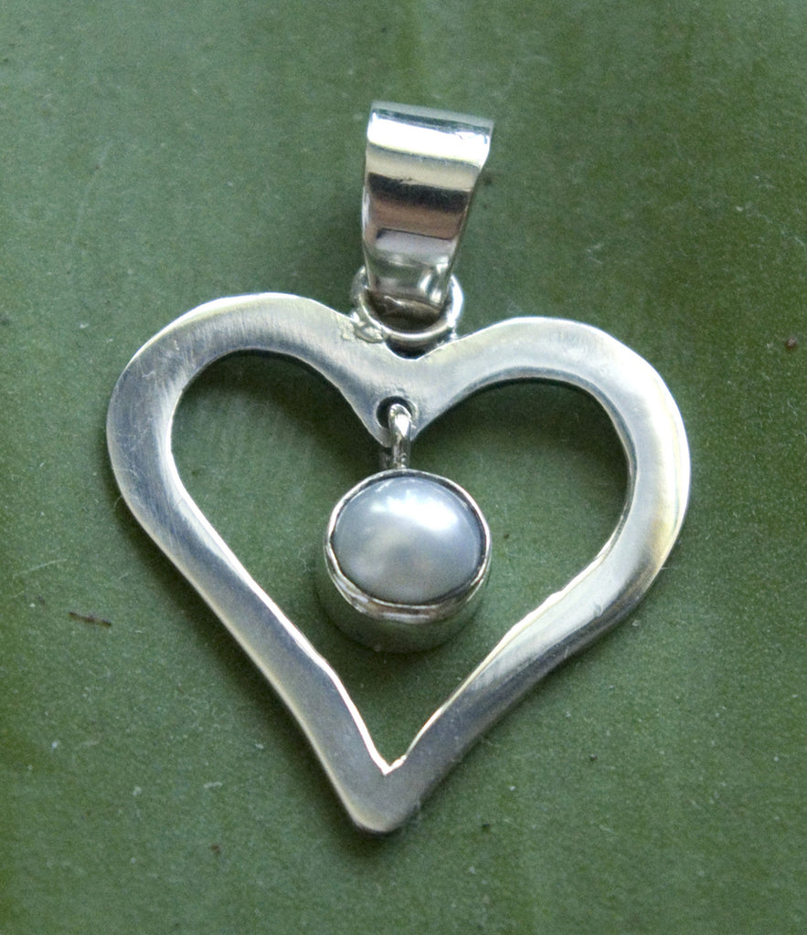 Sterling silver heart with pearl - Agabhumi