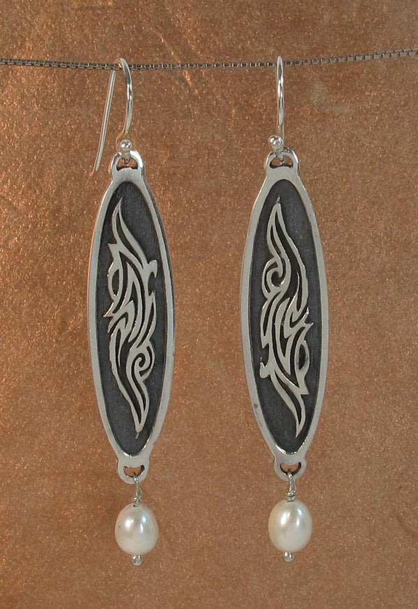 Bali Tattoo earring with white pearl - Agabhumi