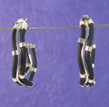 Medium Double Wiggle Hoop Earrings