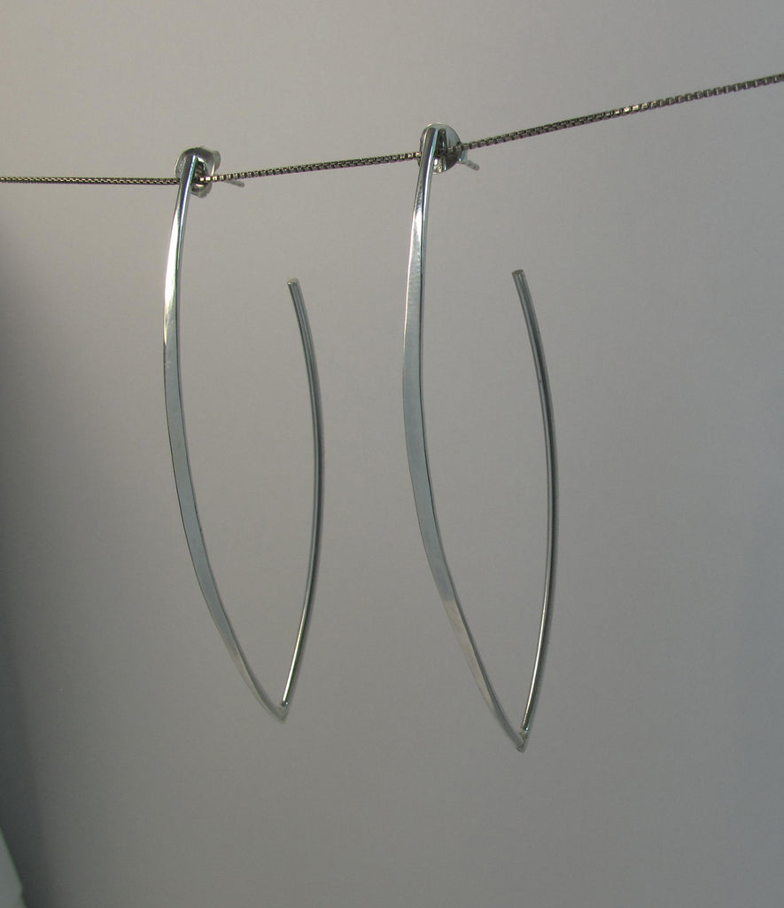 "Sterling ""V"" flat side earrings"