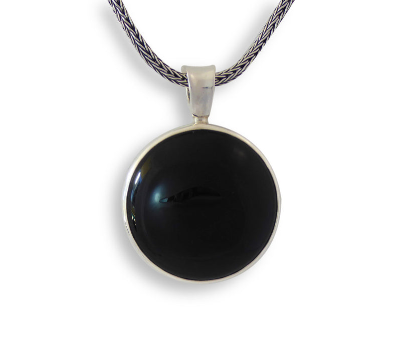 Onyx Perfect Circle Pendant - Agabhumi