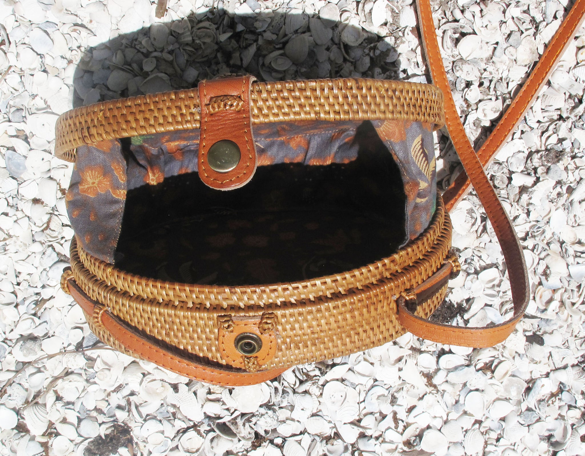 Oval Ata with Batik lining