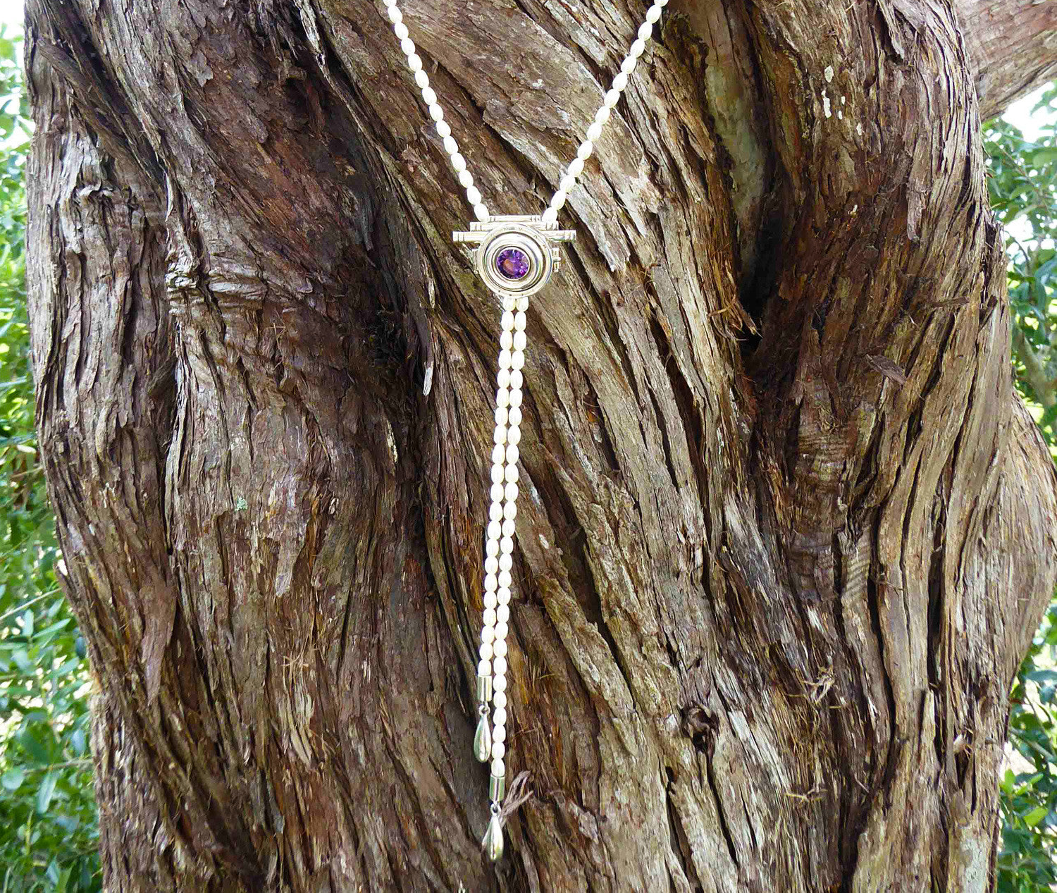 Amethyst in Pearl necklace - Agabhumi