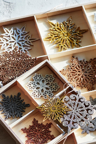 Shimmering Snowflake Ornament Sets