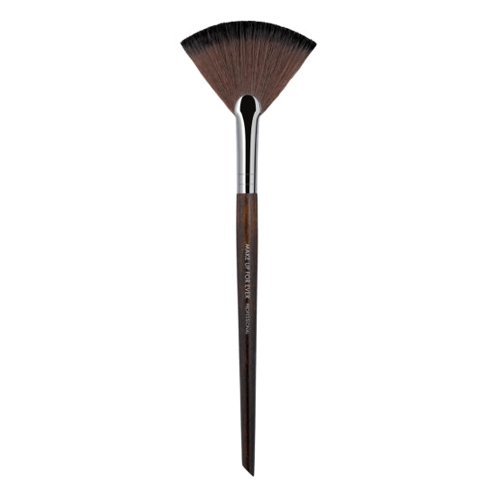 Powder Fan - Medium - 120 MAKE UP FOR EVER - Backstage Cosmetics Canada