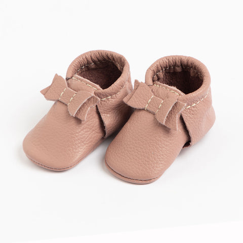 Freshly Picked, First Pair Baby Leather Bow Moccassins, Pink Tutu