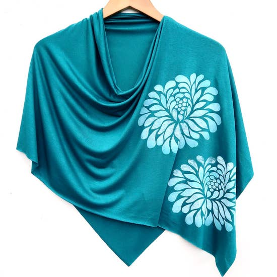 Ladies Hand-Printed Jersey Poncho, White Chrysanthemum Teal