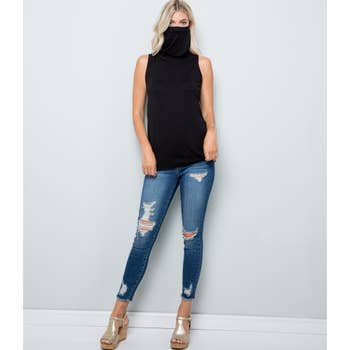 Ladies Sleeveless Tunic w/attached Face Mask, Black / Noir