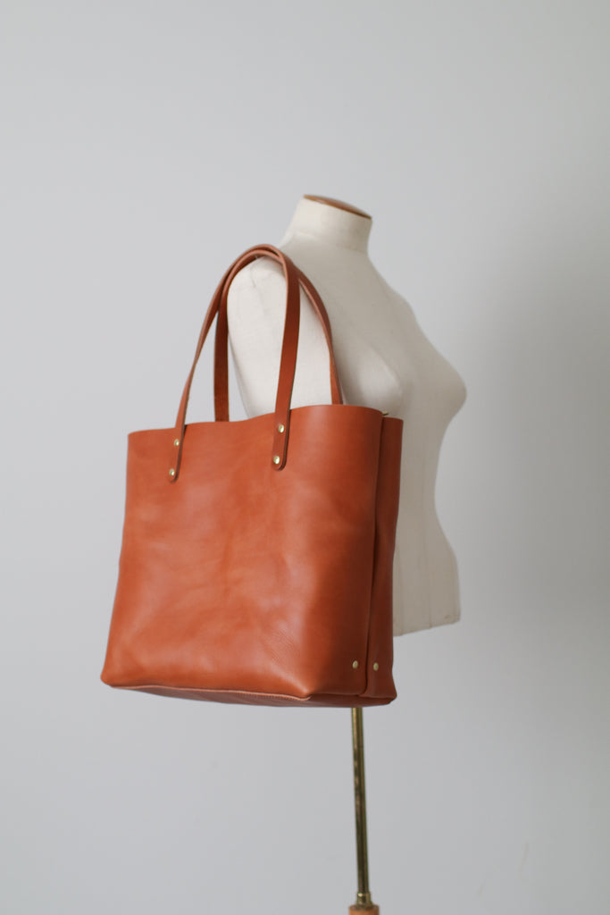 ... The Scout Classic Leather Tote - British Tan ...