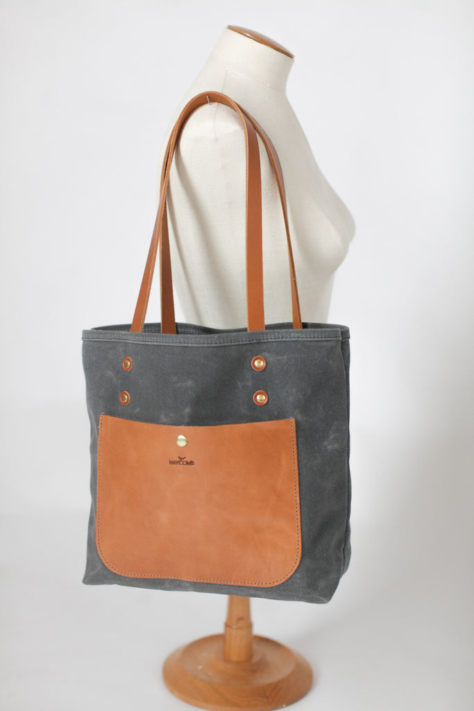 Stonewash Ragged Blue Canvas Tote; Velcr0 Closure; Two Cats Sitting Appliqu\u00e9 by Emanuel/'s Wearable Art