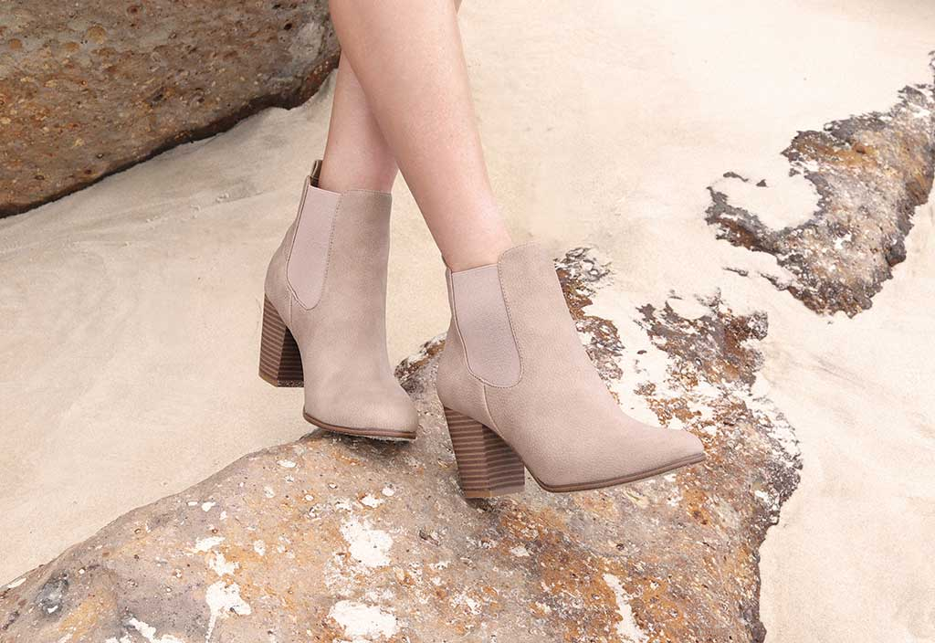 Passos Brown Chelsea Ankle Boots