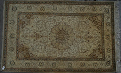 Indian Amritsar Hand-knotted Rug Wool on Cotton (ID 1083)