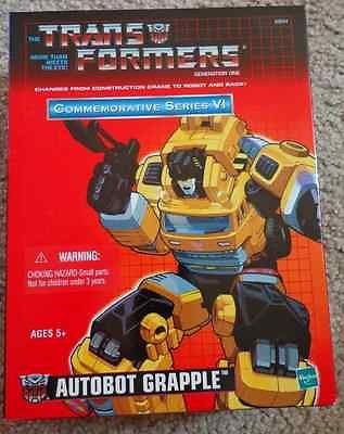 Autobot Grapple Transformers commemorative series Bran New