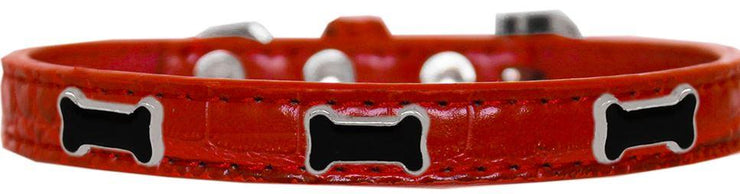 Red dogs collar with black bone studs