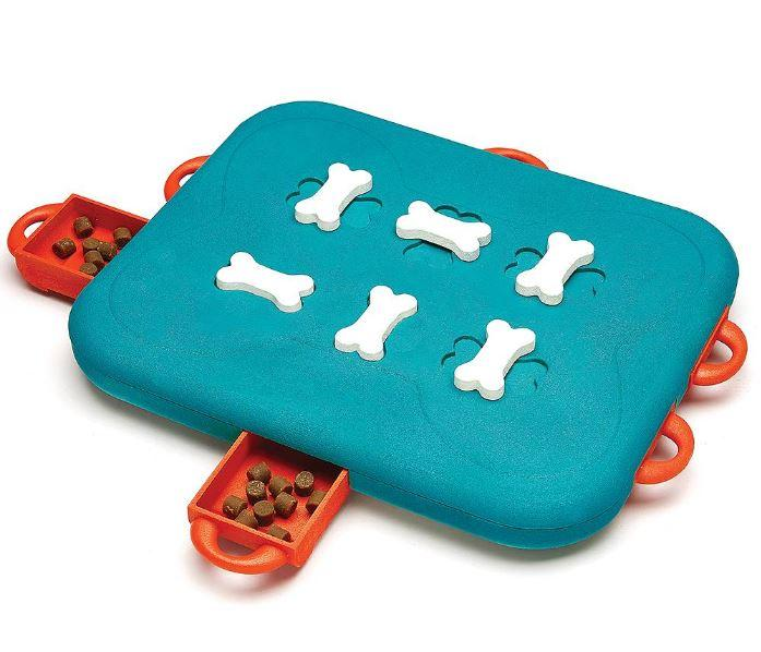 Dog boredom relief puzzle toy. interaxtive dog toy allows you to hide kibble treats to challenge your dog to learn and playfor