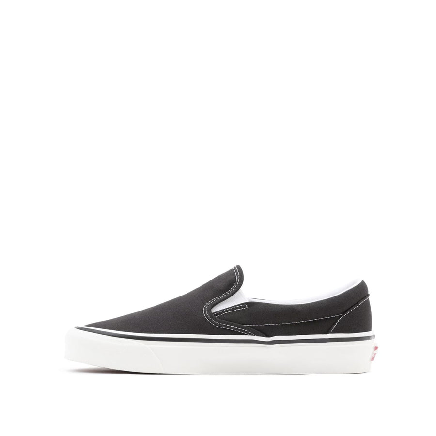 Classic Slip-On 98 DX Black (Anaheim Factory)