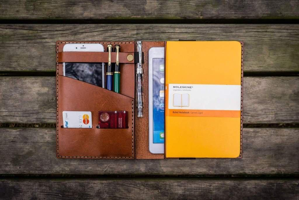 The Ulimate Moleskine Guide: Choosing The Right Size & Style - Galen Leather