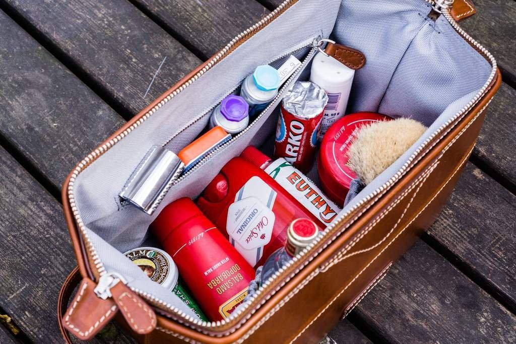 Men's Dopp Kit Essentials - What To Pack in a Dopp Kit - Galen Leather
