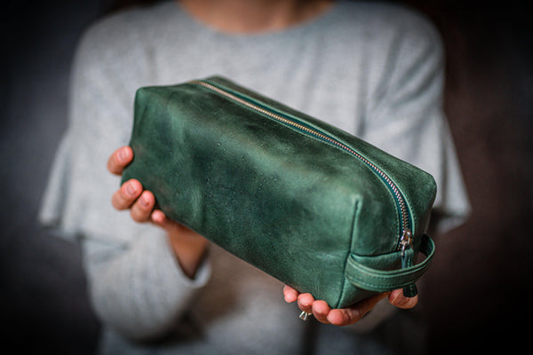 Leather Classic Dopp Kit & Travel Toiletry Bag - Crazy Horse Forest Green-Galen Leather
