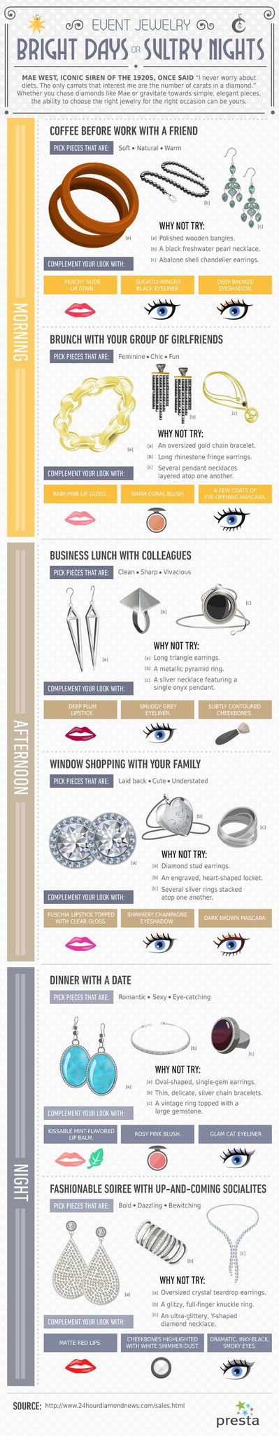 timing jewellery infographic