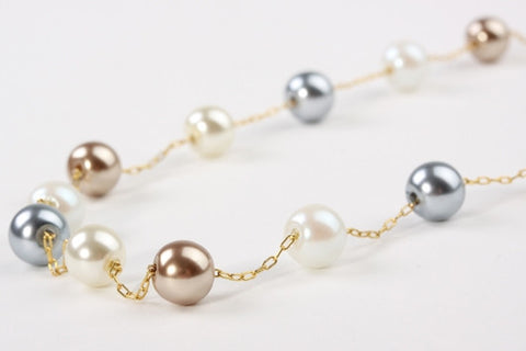 Delicate Three Tone Pearls Gold