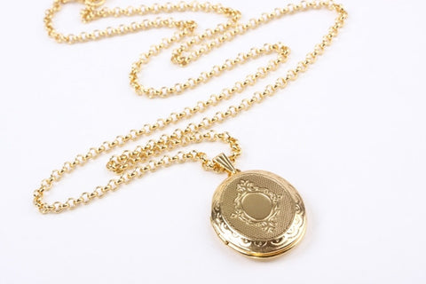 Sweet Memories Locket Gold