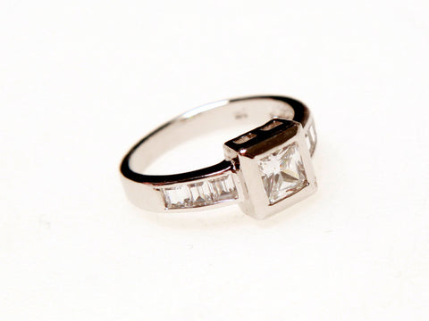 Bezelled Square Ring Silver