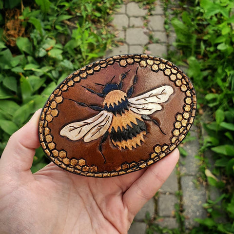 leather hand tooled hand painted buckle bee bumblebee