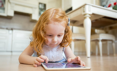 6 Advantages and 7 Disadvantages  Of Exposing Young Kids to Technology