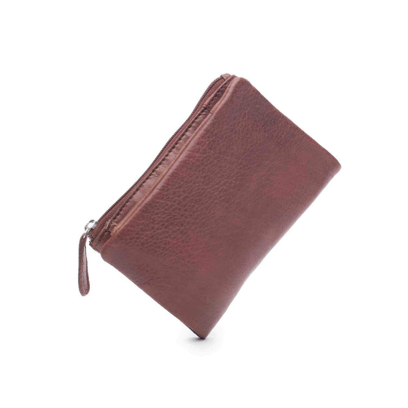 The Dusky Purse by Dusky Robin Leather | available at Stitch Piece Loop Noosa | Made from beautiful soft leather the Dusky is the perfect small purse. Large enough to fit your cards, notes and an easy to access coin section. This purse fits into a smaller bag or jacket pocket |