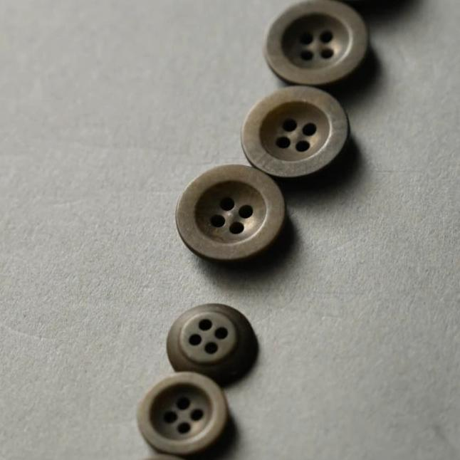 Corozo Buttons 14mm - Khaki
