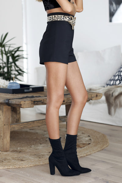 Staple Shorts (Black)