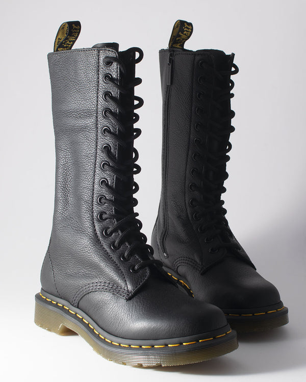 Dr. Martens Dr. Martens, 11820008, 1B99, Virginia BLACK, 14 Eye Zip Boot - Pick Up - Dusseldorf