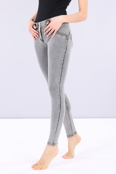 WASHED GREY DENIM MID-RISE