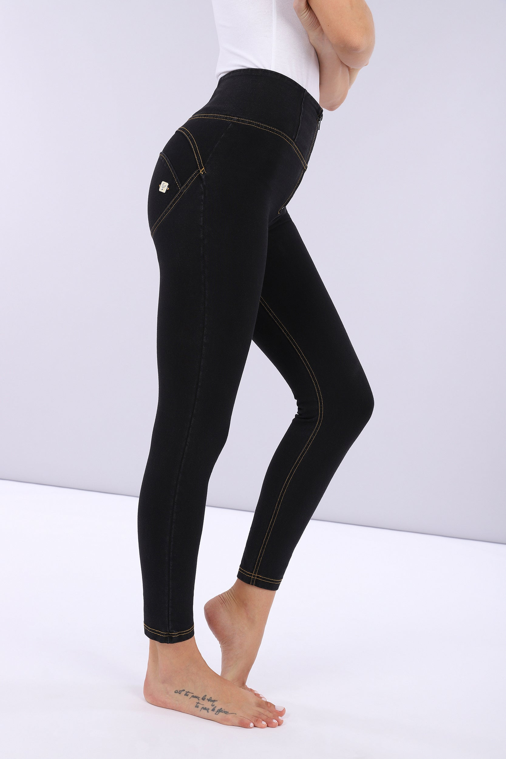 ANKLE LEG BLACK DENIM YELLOW STITCH HIGH WAIST SELF TONE ZIP