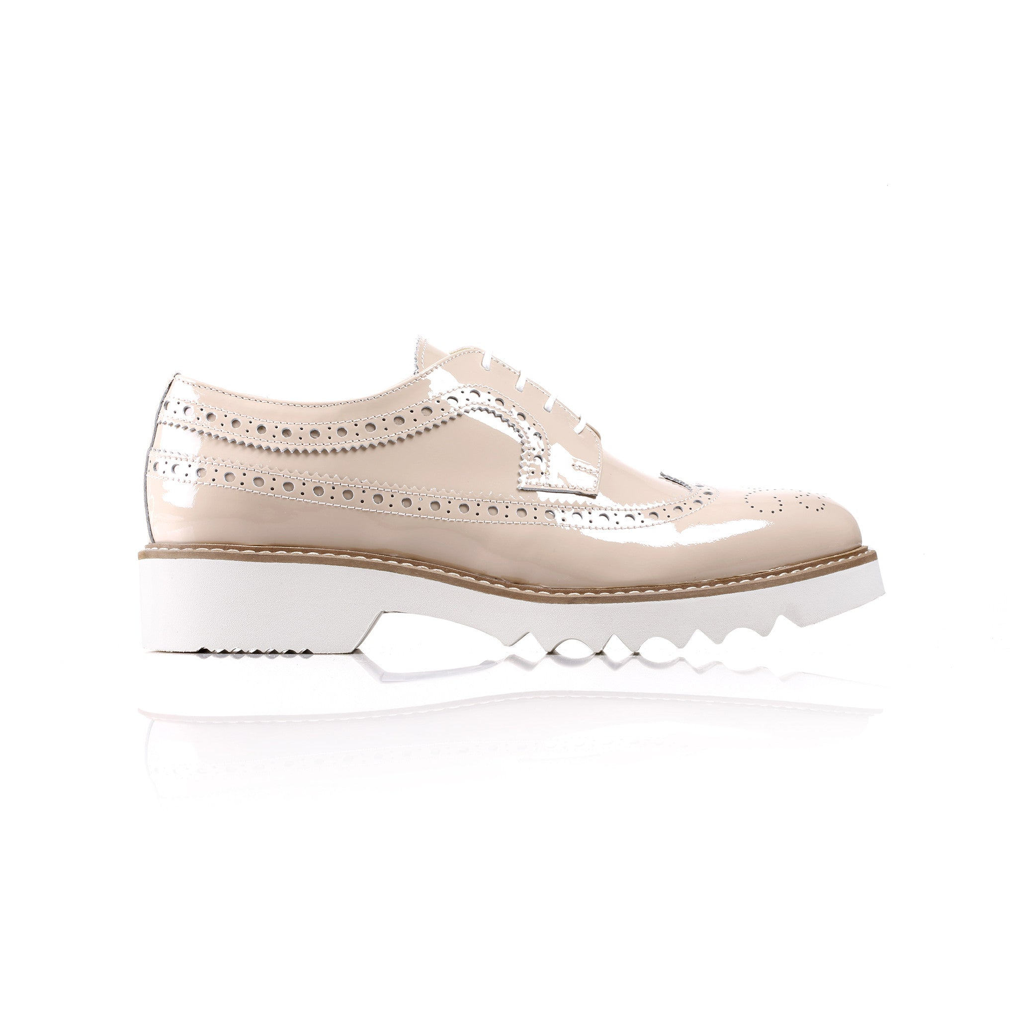2017 Women's patent nude Brogue Wingtip