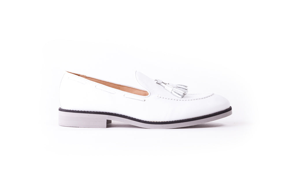 Men's White & Black Accented Tassel Loafer with Grey Sole ( EX-147)
