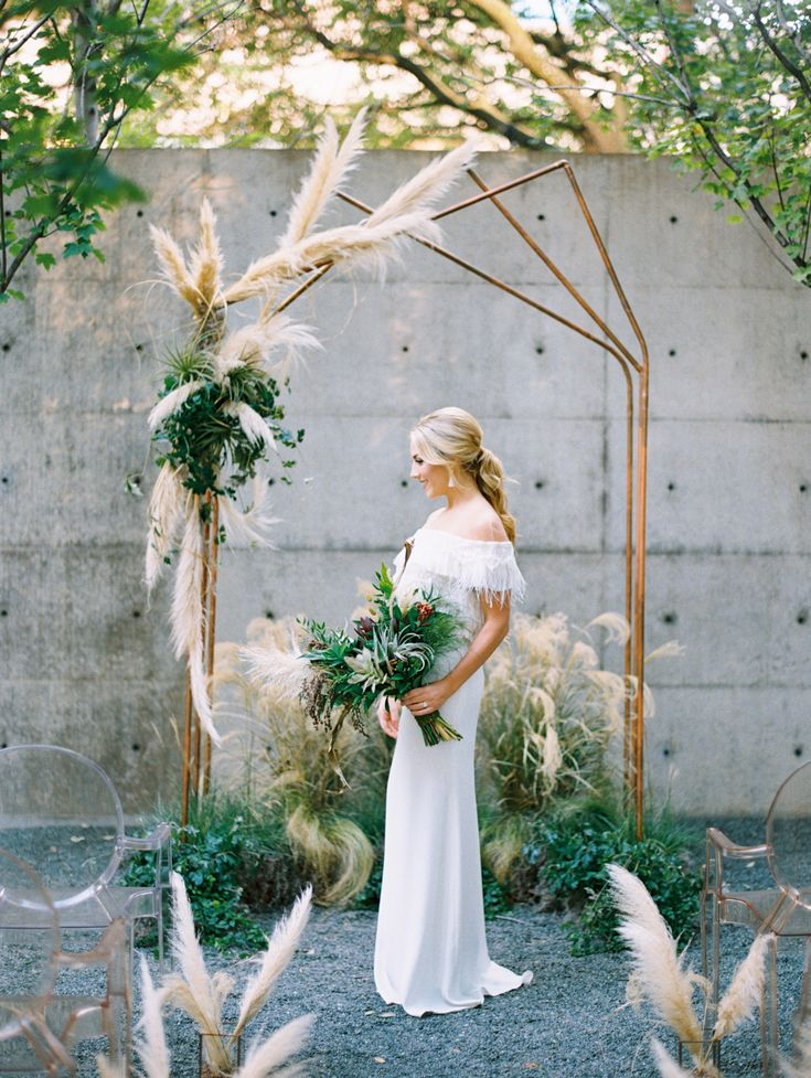 Geometric details in a wedding arch are perfect  industrial chic soirée or weddings
