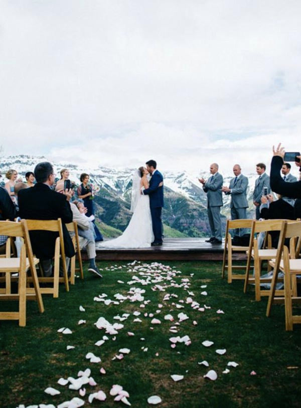 Beautiful Mountain Wedding Ideas You Should Try For Your Wedding