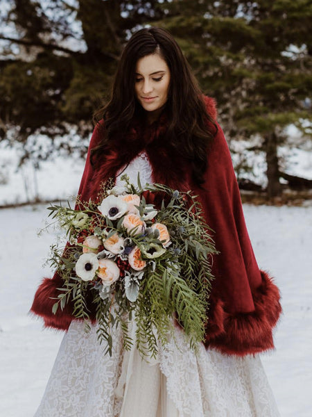 Heart-Warming Christmas Themed Wedding to Rock Your Big Day