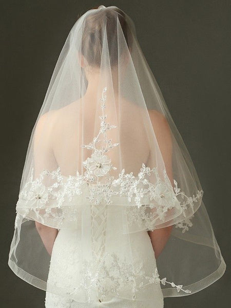 Fingertip Length Romantic Bridal Veils for Your Perfect Wedding Hairstyles