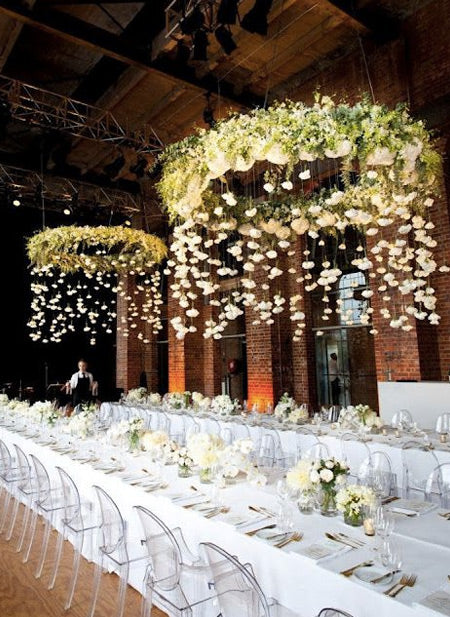 _Suspended-lush-floral-wreath-reception-centerpiece-with-hanging-florals